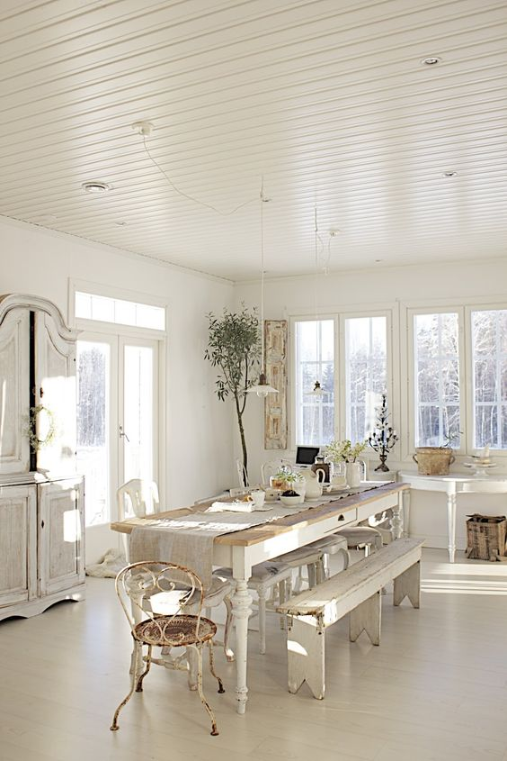 Dining room. White, Grey, Black, Chippy, Shabby Chic, Whitewashed, Cottage, French Country, Rustic, Swedish decor Idea. ***Pinned by oldattic ***: