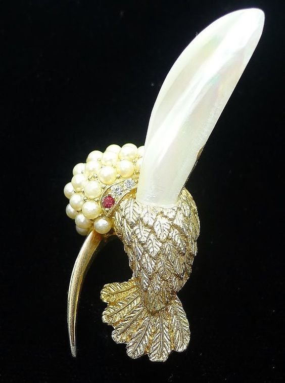 Boucher Hummingbird Brooch with Mother of Pearl Wings