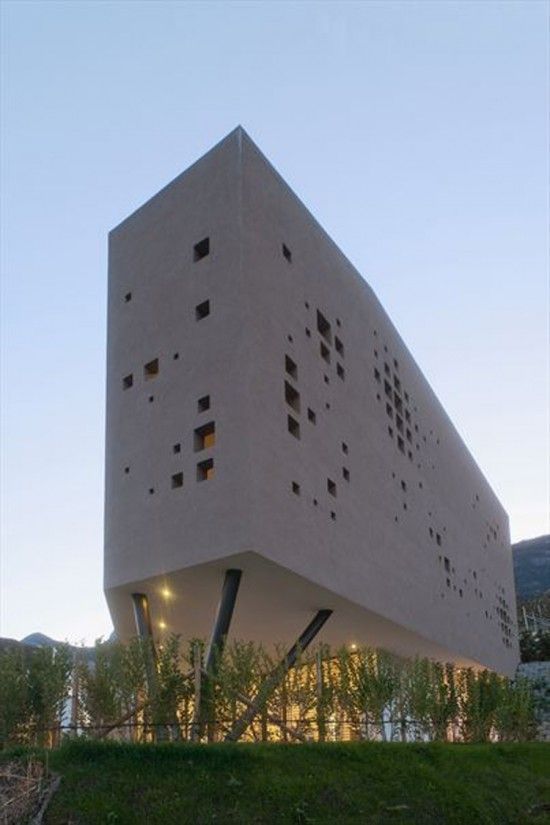Giacomuzzi House Architecture by Monovolume Architecture + Design
