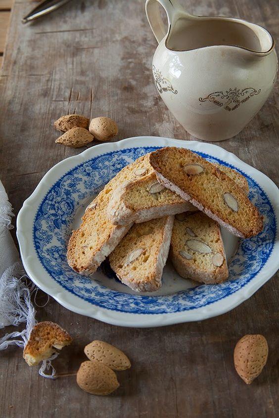 Divino Macaron: Biscotti de Almendras