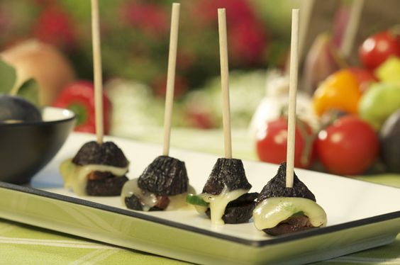 figs stuffed with bacon, jalapeno & cheese