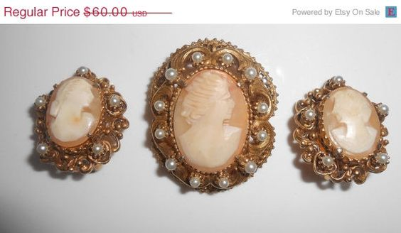 Florenza Carved Shell Cameo Brooch/Pendant & by Libbysmomsvintage