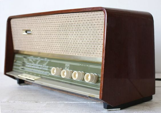 Vintage PHILIPS B3X02A RADIO, 1961