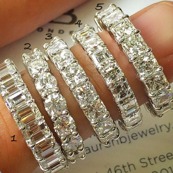 Which one is your favorite cut?  Emerald cut , Round brilliant , Cushion cut Asscher cut or  Radiant cut ?  Tag your friend and guess her favorite Eternity band  Stunning Eternity rings by @laurenbjewelry  #jewelryjournalchallenge  #jewelryjournal