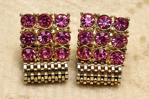 "Vintage Swank Hot Pink Crystal Gold Plated Mesh Toggle Cufflinks are set with hot pink crystals (3/4"" squared) and have a mesh link that measures 1 1/4"" long!  To more closely inspect the photos, simp"