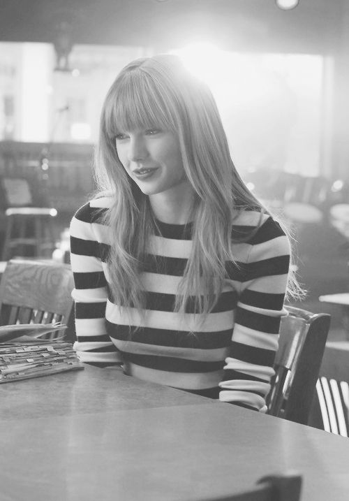 Taylor Swift. Totally yes to this hair, although I don't have the pretty face.. This will be it