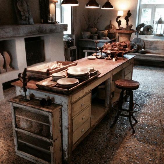 Stoere oude toonbank werkbank kookeiland landelijke stijl wonen - Oude keuken decoratie ...