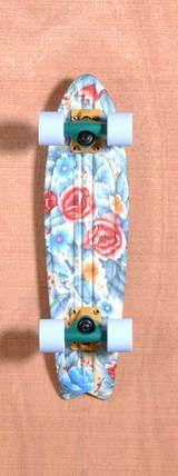 "Globe 23"" Bantam ST Skateboard Complete - Grandmas Couch"