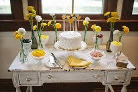 Resultado de imagem para decoração de casamento rustico simples mesa de convidados durante o dia