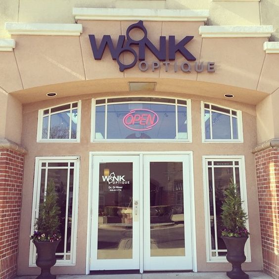 Come see us on this beautiful, sunny Monday morning! ☀️  #winkoptique #youaremysunshine #shopsofseville #shoptulsa #shoplocal #fashioneyewear #fashionsunglasses #luxuryeyewear #springisontheway