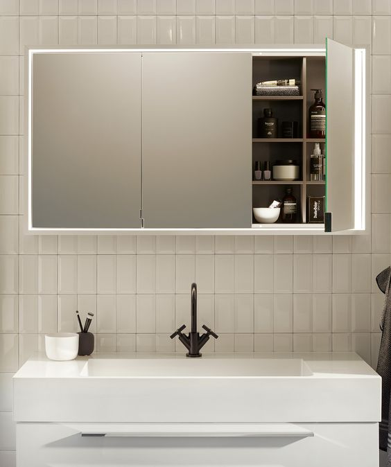 Badmöbel mit in Wand eingebautem Spiegelschrank, Wand in - spiegelschrank fürs badezimmer