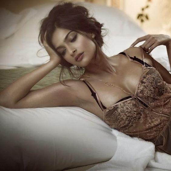 naked hot import night girl