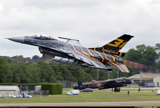 Airliners.net - An impressive departure from Fairford by this Belgium Air Force F-16. Steve Brimley.