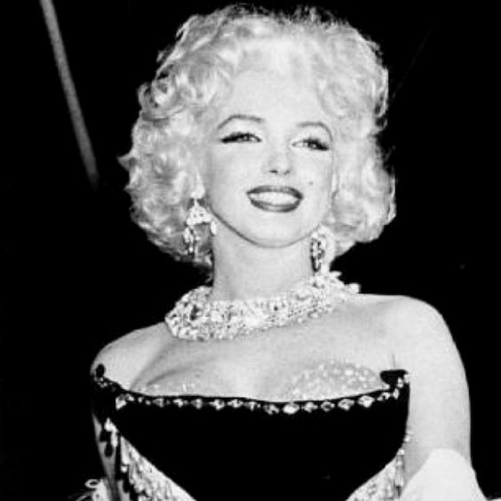 Marilyn Monroe, you're absolutely perfect.<3