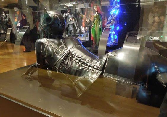 Batman Returns Catwoman costume back detail