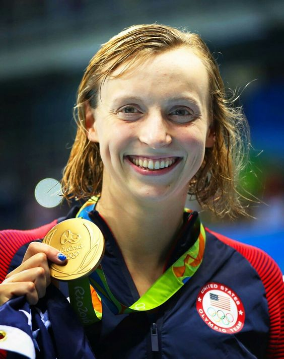 RIO DE JANEIRO, BRAZIL - AUGUST 07: Katie Ledecky of United States poses with her Gold medal from the Women's 400m Freestyle during Day 2 of the Rio 2016 Olympic Games at Olympic Aquatics Stadium on August 7, 2016 in Rio de Janeiro, Brazil. (Photo by Ian MacNicol/Getty Images)