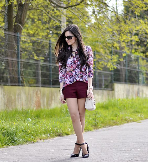 * Petit and Sweet Couture: ...Burgundy & Flowers...