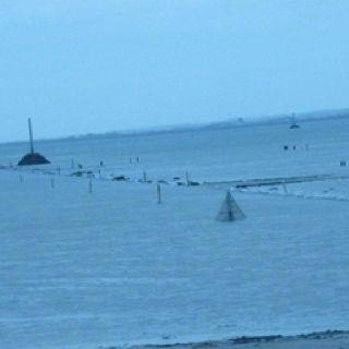 Passage du gois à Noirmoutiers , maree haute-High tide