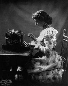 secretaria del siglo XIX