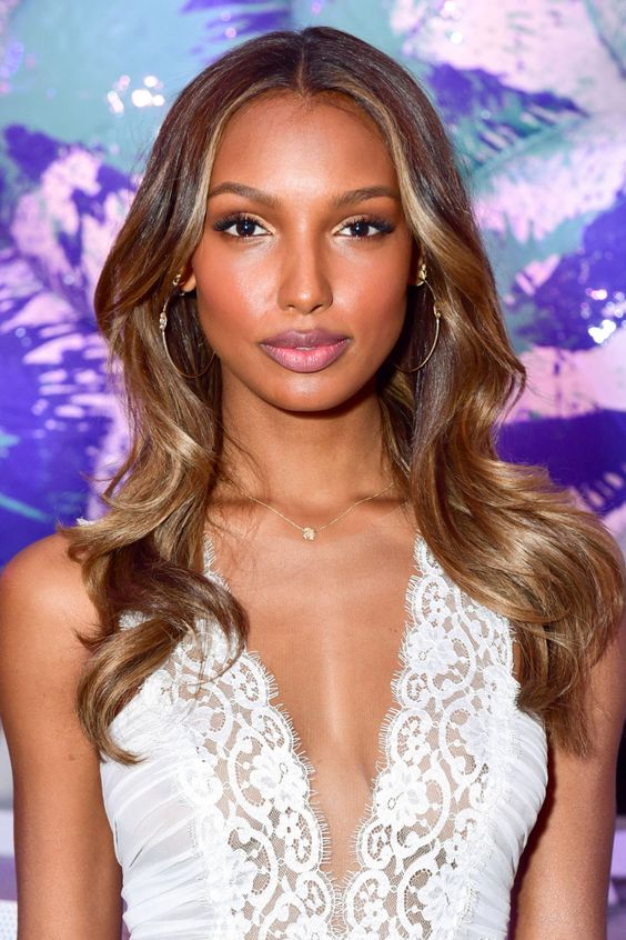 13 Ways to Wear Caramel Colored Hair