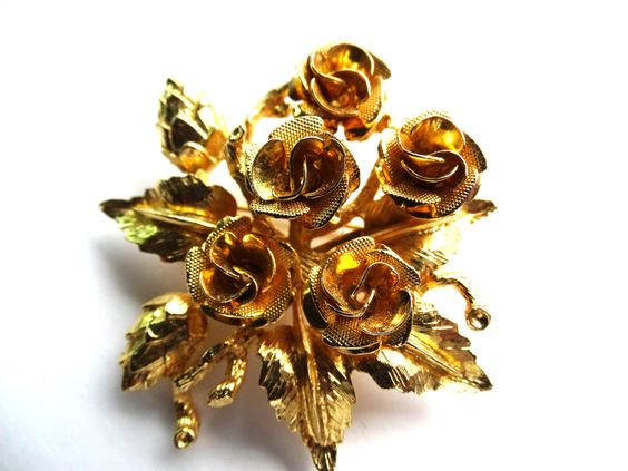 Posy of Roses brooch with brushed gold tone leaves Beautiful bouquet of springtime roses by ElviesAdornments on Etsy https://www.etsy.com/listing/262917909/posy-of-roses-brooch-with-brushed-gold