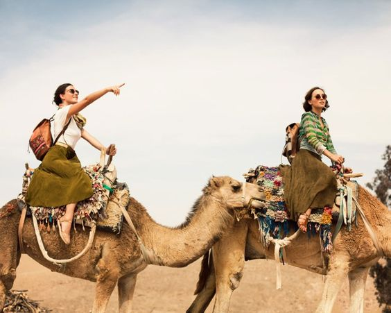i want to ride camels with my friend!