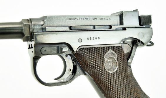 Husqvarna M40 9mm caliber pistol. (Lahti )