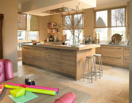 Prachtige eiken #houten #woonkeuken met kookeiland (geplaatst door ...