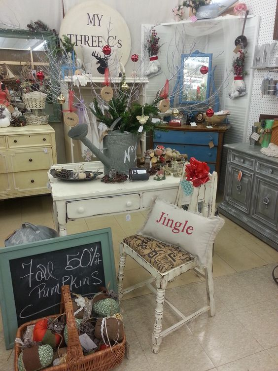 Antique mall booth country homes decor and melbourne on for Home decorations melbourne