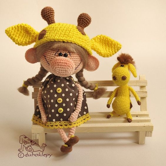 Девочка и ее коротконогий пузатый приятель:) #дубоклёпы #жираф