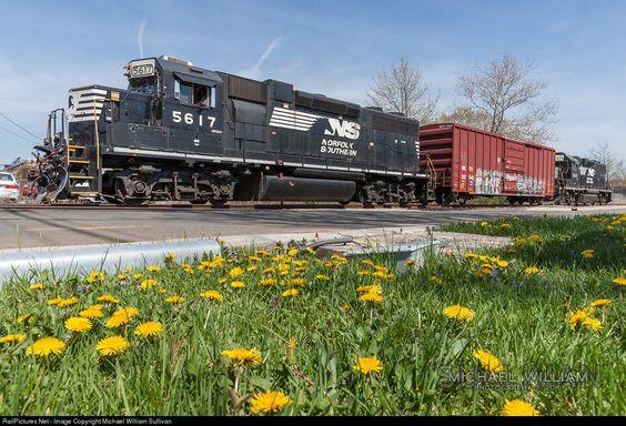 RailPictures.Net Photo: NS 5617 Norfolk Southern EMD GP38-2 at Teterboro, New Jersey by Michael William Sullivan