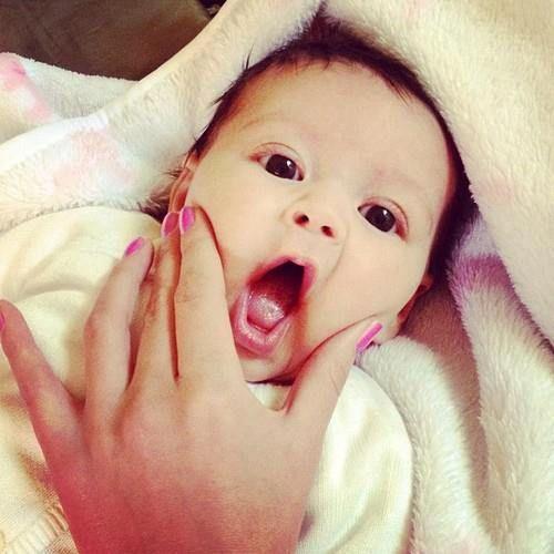 Bebê com Boquinha Aberta