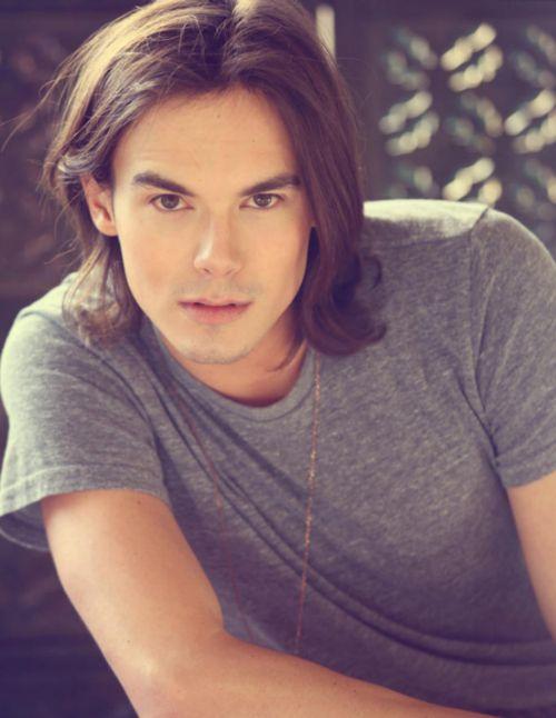 Tyler Blackburn (Caleb Rivers, Pretty Little Liars ...