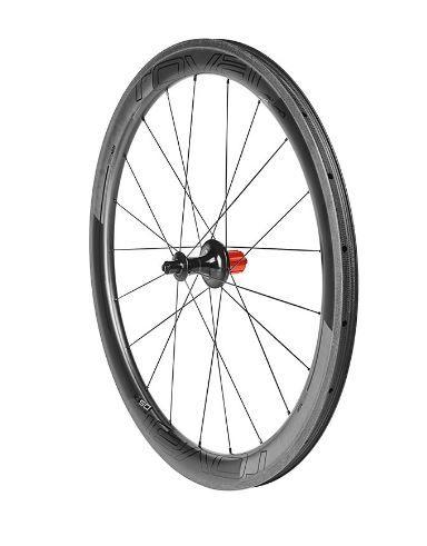 En el pelotón profesional se presentará el nuevo set de ruedas carretera de Specialzed. Las Roval CXL 50 son más ligeras y con mejor aerodinámica.