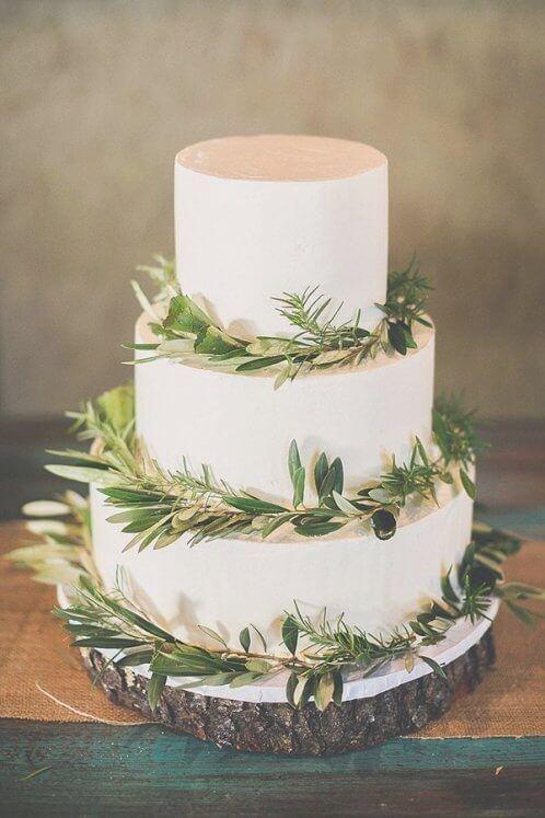 30 Beautiful Simple Rustic Winter Wedding Cakes Ideas Best Inspiration Wedding Cake Nature Winter Wedding Cake Simple Wedding Cake