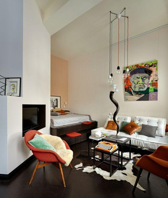 sofa weiß fellteppich dunkler boden farbige sessel | Möbel - Art ...
