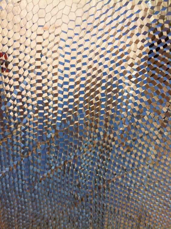 alistairmcclymont:    looking through honeycomb outside my studio
