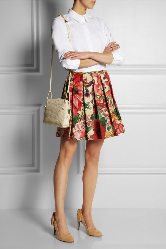 Pleated floral-print skirt and white shirt