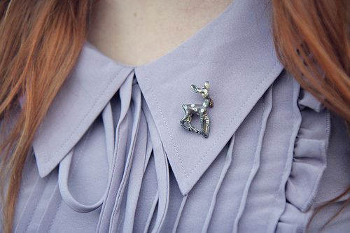 super cute...I need to start collecting pretty pins/brooches!