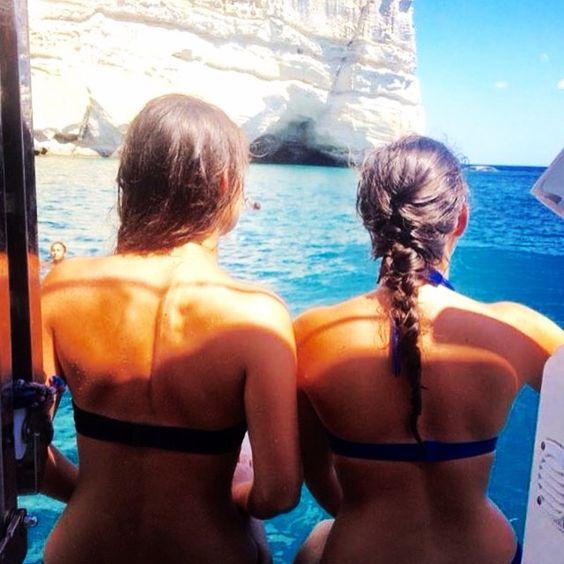 Milos, Greece Sea, friends & sun