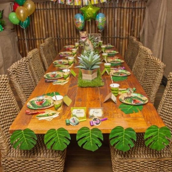 dinosaur party party tables and safari on pinterest. Black Bedroom Furniture Sets. Home Design Ideas