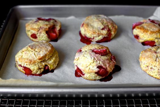 Strawberry and cream biscuits
