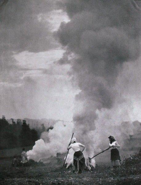 Die Kunst in der Photographie : 1901 Photographer: Frederick Boissonnas Title: Im Herbst