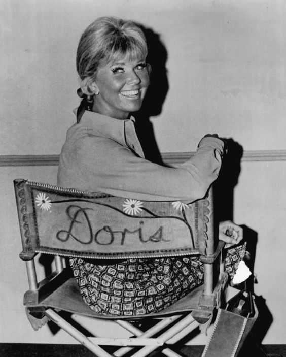 THE DORIS DAY SHOW (CBS-TV) - Doris Day smiles for the camera between takes.: