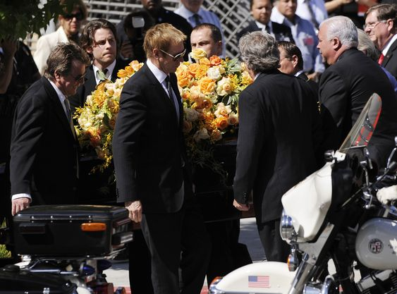 celebrities death pictures | strange true facts|strange weird stuff|weird diseases  Farrah  Fawcett  funeral