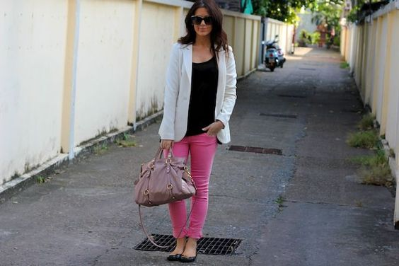 I totally have these pants...And this gives me an idea what to wear with them!!!