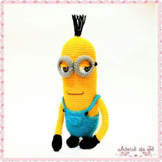 BA- NA- NA Kevin com essa cara de sabichão que só ele tem rsrsrs.... ☺ Amo esses amarelinhos!! #ateliedaje #amigurumis #mycrochet #minions #kevin #crochet #crocheting #crochê #myjob #handmade #feitoamão #foradesérie #artesanato #artesãfeliz #Elo7 #amigirumimania #amigurumi #toys #organictoys #babytoys #brinquedo #brinquedosparacriancas #brinquedoteca #minionsparty #geek #可愛イ #kawaii #desenhoanimado