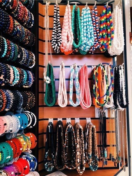 Can I get a pucca shell necklace, please?