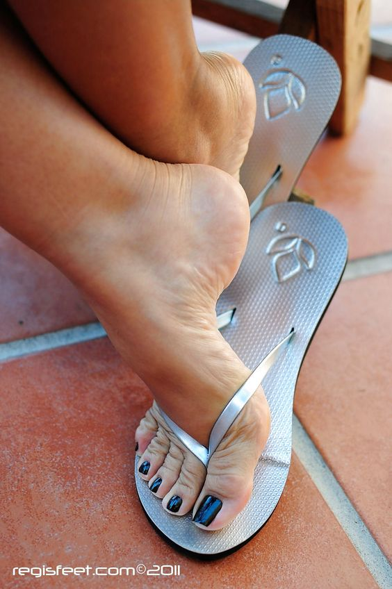 Sexy toes and arches