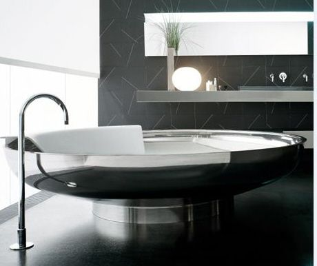 Stainless steel bath tube UFO / design by the Benedini Associati
